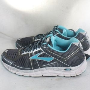 Like New BROOKS Addiction 12 Womens Running Shoes